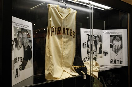 20131109CJSluggerAuctionnatSHOE03-1 The home uniform worn by Bill Mazeroski in the 1960 World Series Game 7 sold for $632,500.