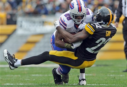 William Gay vs. C.J. Spiller The Steelers' William Gay takes down the Bills' C.J. Spiller in the first quarter.