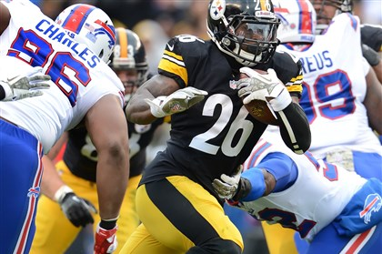 20131109pdSteelersSports12 Steelers running back Le'Veon Bell picks up yardage against the Bills in the third quarter Sunday at Heinz Field.