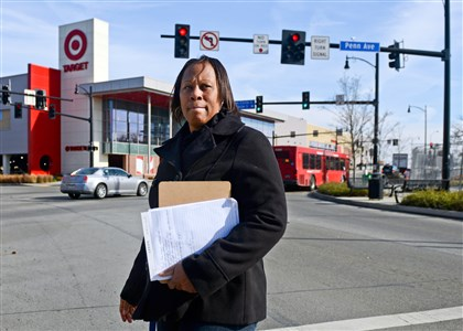 1115mhCrossingLocal01 