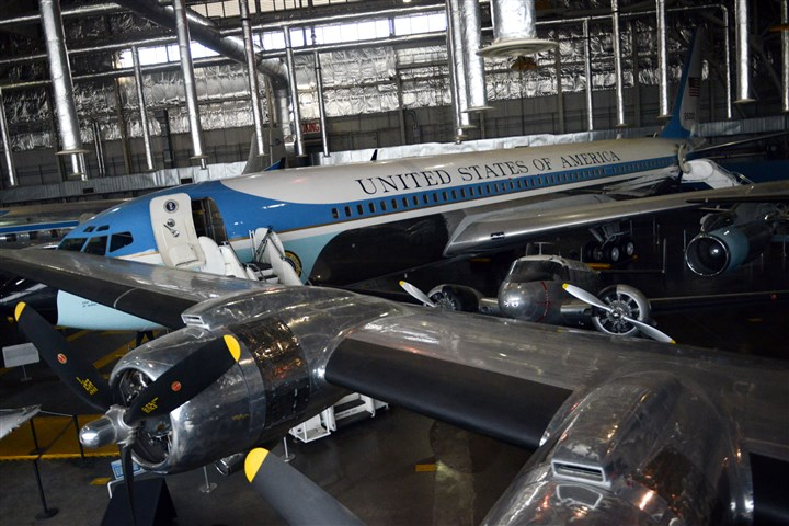 20131112MWHairforceoneLocal05.jpg SAM 26000, the plane that carried the body of President John F. Kennedy from Dallas to Washington, D.C., after Kennedy was assassinated, is now a part of the National Museum of the United States Air Force near Dayton, Ohio.