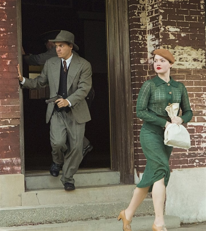 20131208TVWeek_BonnieClyde3 Emile Hirsch and Holliday Grainger in 'Bonnie & Clyde.'