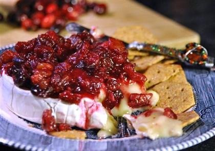 cranberrybrie Baked Brie with Cranberry Chutney