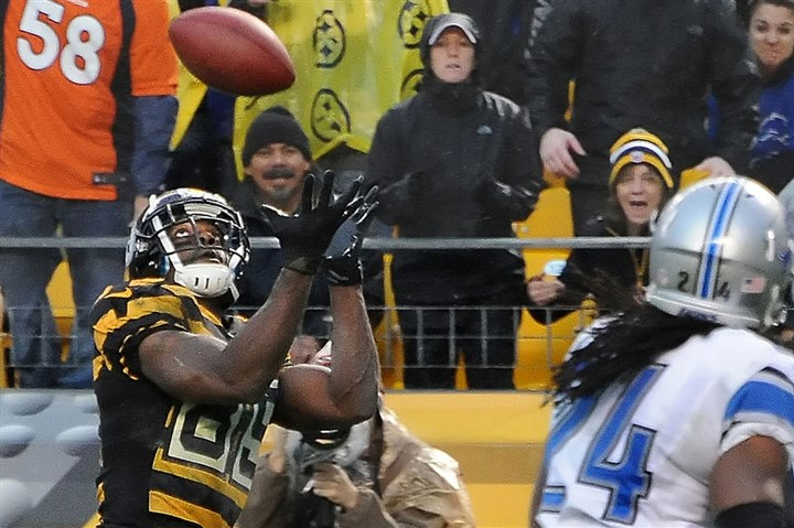Jerricho Cotchery catch Jerricho Cotchery hauls in a pass from Ben Roethlisberger for a Steelers touchdown against the Lions in the fourth quarter at Heinz Field.