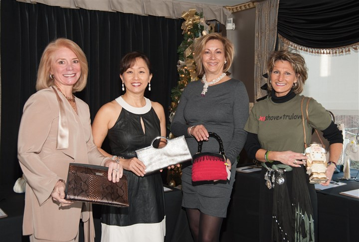 20131121handbagLuncheonSEEN Laura Penrod Kronk, Ruby Kang, Betsy Wotherspoon and Dee Dee Troutman