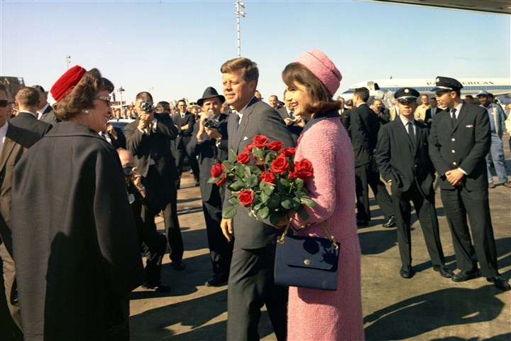 kennedy2_nat.1-1 President John F. Kennedy and Jacqueline Kennedy arrive at Love Field in Dallas on Nov. 22, 1963.