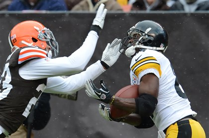snoter1124 Steelers receiver Antonio Brown beat cornerback Joe Haden to haul in a touchdown pass from Ben Roethlisberger in the second quarter Sunday against the Browns.