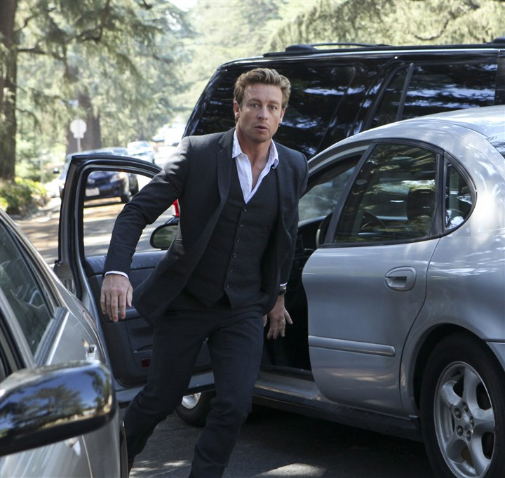 "mentalist2-5 Patrick Jane (Simon Baker) finally comes face-to-face with Red John, the serial killer he's tracked since the madman murdered his wife and daughter. For 10 years, Jane has doggedly hunted his nemesis in his search for justice, on ""The Mentalist."""