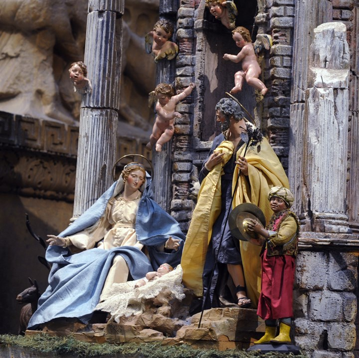 Presepio The Carnegie Museum of Art and it's Neapolitan Presepio is a Christmas tradition.