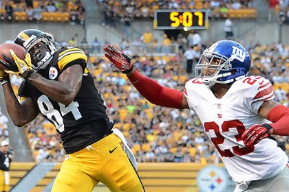 Antonio Brown The Steelers' Antonio Brown can't stay inbounds as he hauls in a pass to the corner against the Giants' Corey Webster in the first quarter.