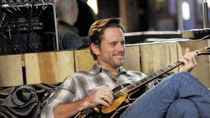 "Charles Esten Charles Esten, a native of Carnegie, portrays musician Deacon on ABC's ""Nashville."""