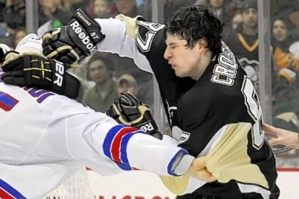 Crosby Sidney Crosby can get the Penguins going in a variety of ways. Saturday, he took on the Rangers' Dan Girardi behind the net. Both were sent to the penalty box.