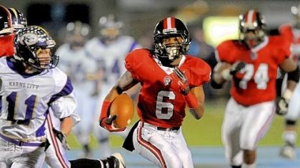 Dravon Henry Aliquippa's Dravon Henry led a Quips rushing attack that gained 428 yards Friday.
