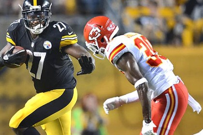 Jonathan Dwyer The Steelers' Jonathan Dwyer picks up yardage against the Chiefs in the first half.