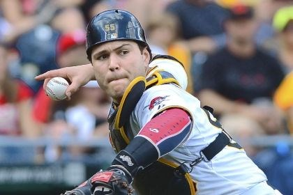 martin Pirates catcher Russell Martin takes aim at throwing out a baserunner.