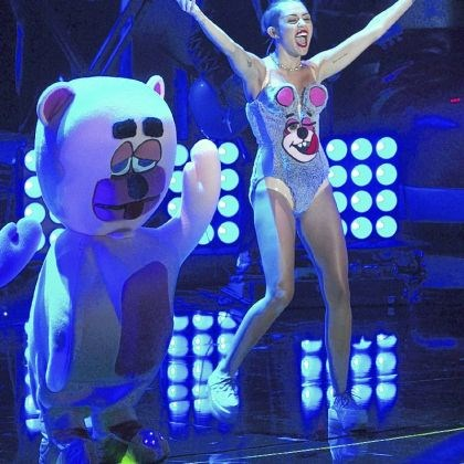 Miley Cyrus Miley Cyrus performs at the MTV Video Music Awards on Sunday.