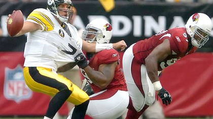 Roethlisberger Cardinals defensive end Rodney Bailey pressures Roethlisberger.