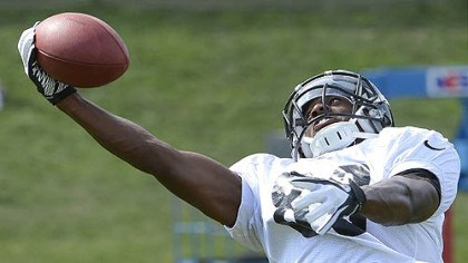 steelers emmanuel sanders Emmanuel Sanders one hands a pass during Steelers afternoon workouts at training camp at St Vincent College.