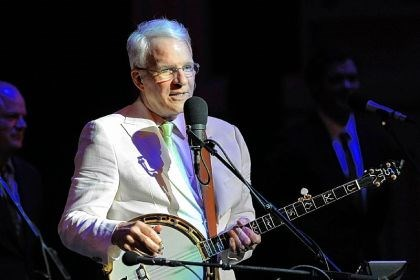 Steve Martin Steve Martin, shown in concert Monday at Heinz Hall, was the recipient of an act of random kindness.
