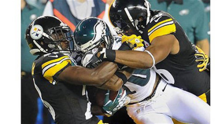 allen The Steelers' Cortez Allen, left, and Will Allen gang tackle Eagles wide receiver DeSean Jackson in Thursday's preseason opener in Philadelphia.
