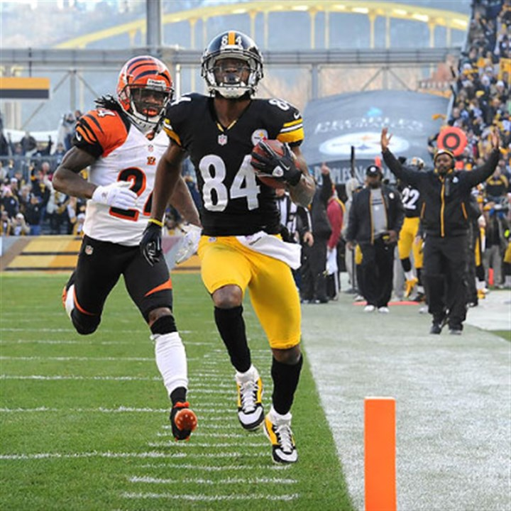 Antonio Brown Antonio Brown hauled in a 60-yard touchdown pass from Ben Roethlisberger with just over a minute left in the first half.