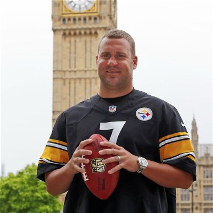 bigben Ben Roethlisberger poses while on a July trip to London. He and his Steelers teammates might want to embrace some facets of the British culture.