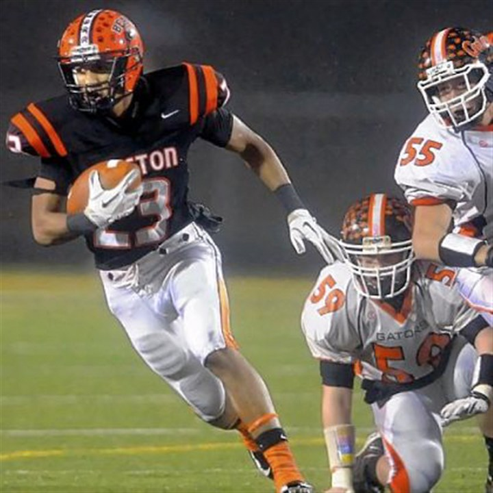 boyd Clairton's Tyler Boyd had another big game. The senior piled up 104 yards and three scores as the Bears advanced to the PIAA title game again.