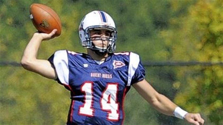 Colonials Robert Morris quarterback Jeff Sinclair, a Highlands High School grad, passed for 1,373 yards and 11 touchdowns last year.