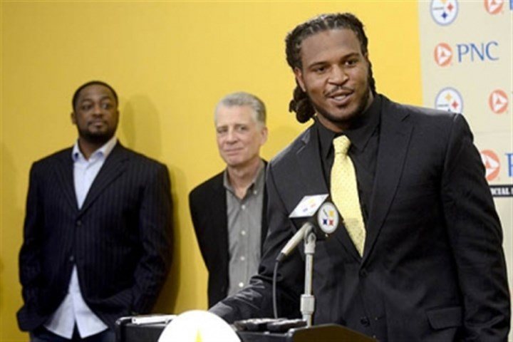 Jarvis Jones Steelers first round pick Jarvis Jones speaks to the media during a press conference at the Steelers South Side training facility. Jones was the 17th pick overall in the 2013 draft.