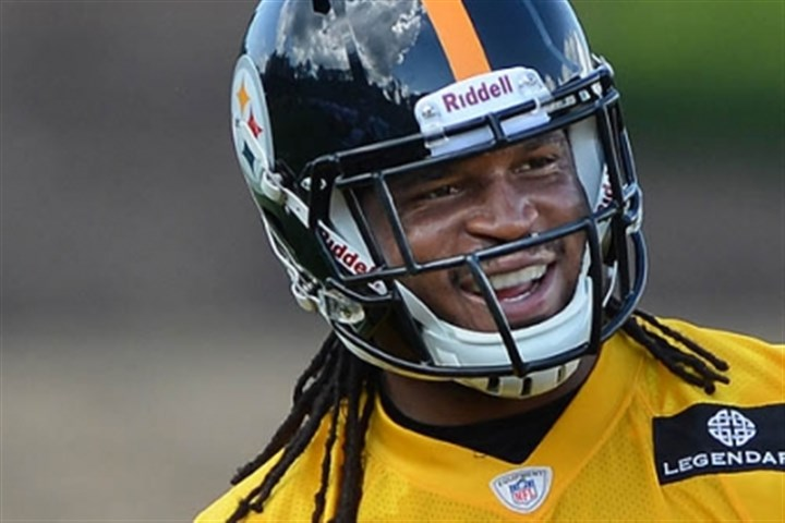 jarvis jones smiling Pittsburgh Steelers linebacker Jarvis Jones jokes with teammates during workouts at Saint Vincent College in Latrobe.