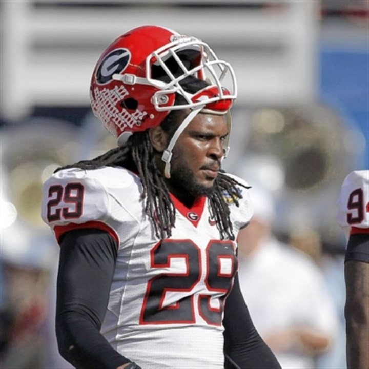 jarvisjones Georgia linebacker Jarvis Jones ran a poor 4.9 in the 40 at Georgia's pro day, but he still could be the Steelers' pick at No. 17 overall in the NFL draft.Through the draft or otherwise, the Steelers must replace James Harrison before next season.