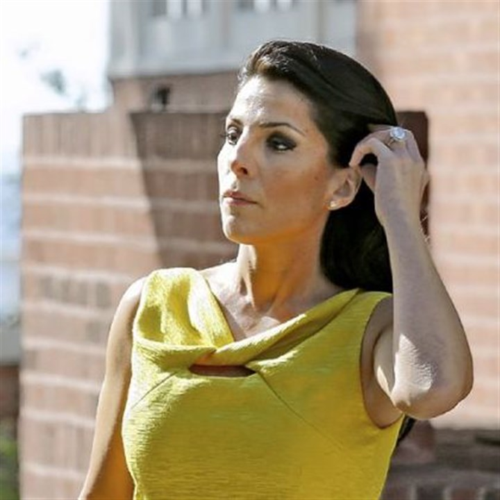 Jill Kelley Jill Kelley is identified as the woman who allegedly received harassing emails from Gen. David Petraeus' paramour, Paula Broadwell.