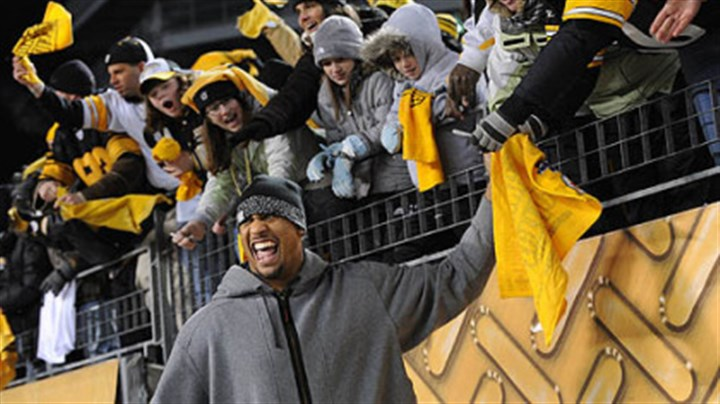 LaMarr Woodley LaMarr Woodley greets fans at a rally at Heinz Field on Friday before leaving for the Super Bowl.