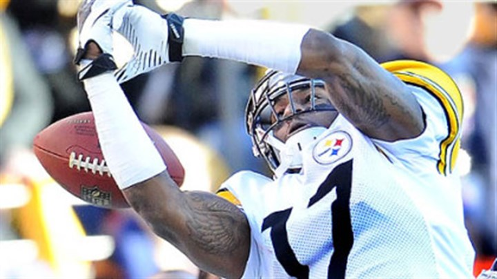 Mike Wallace Steelers' Mike Wallace misses pass from Roethlisberger.