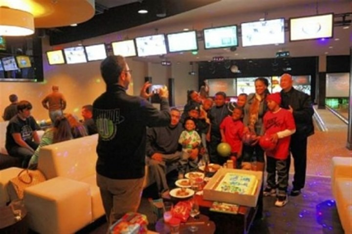Pizza party birthday parties Pizza party birthday parties are popular in the bowling alleys.