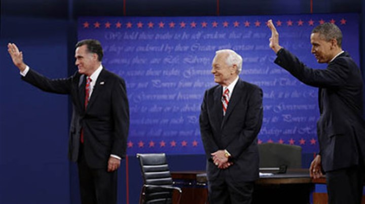 romney obama schieffer debate watch Moderator Bob Schieffer, center, watches as Republican presidential nominee Mitt Romney, left and President Barack Obama wave to members of the audience during the third presidential debate at Lynn University, Monday, Oct. 22, 2012, in Boca Raton, Fla.