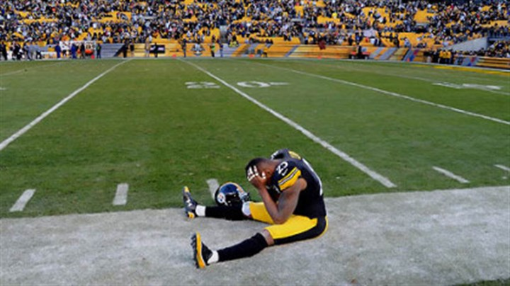 Ryan Clark Ryan Clark sits on the sidelines in the final second of the fourth quarter of Sunday's loss to the Bengals.