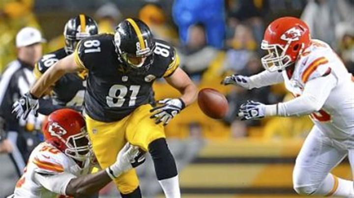 Steelers tight end David Paulson Steelers tight end David Paulson looses control of the football against the Chiefs.