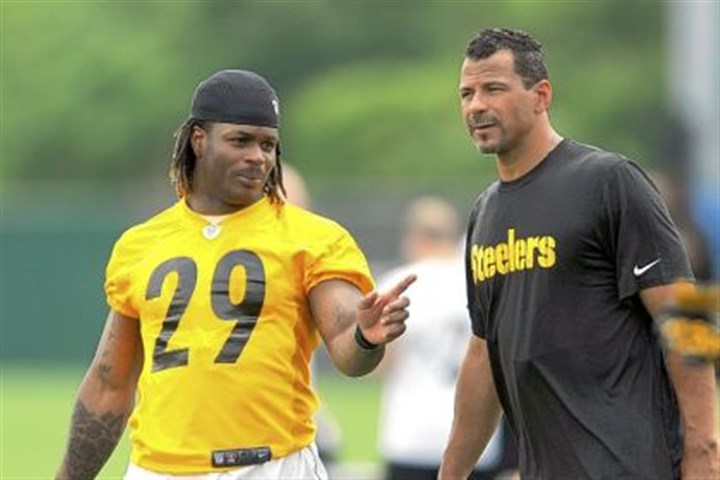 thomas Steelers safety Shamarko Thomas, left, watches a practice June 6 at minicamp with former Steelers defensive back Rod Woodson at the team's South Side training facility.