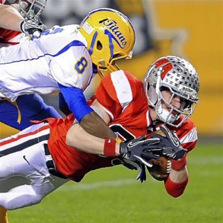 West Allegheny Football WA senior Nick Halbedl scores a TD in WPIAL title game.