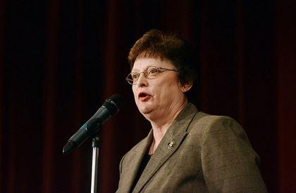 013.jpg Mayoral candidate Darlene Harris answers a question.
