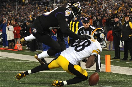 cook1129 Emmanuel Sanders can't haul in Ben Roethlisberger's pass for what would have been the tying two-point conversion in the fourth quarter.