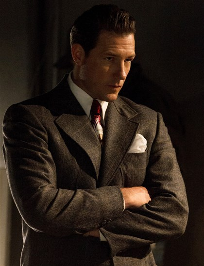 "Ed Burns in ""Mob City"" Ed Burns portrays Bugsy Siegel in TNT's ""Mob City."""