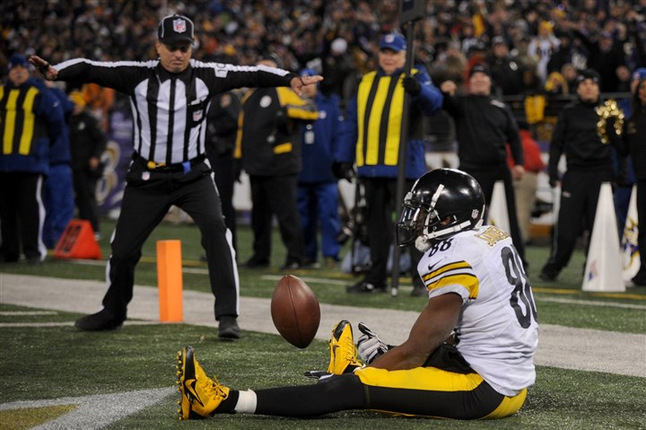 1128mhSteelersVsRavens Emmanuel Sanders dropped a 2-point conversion attempt in the last minute of the Thanksgiving game against Baltimore. The Ravens won, 22-20.