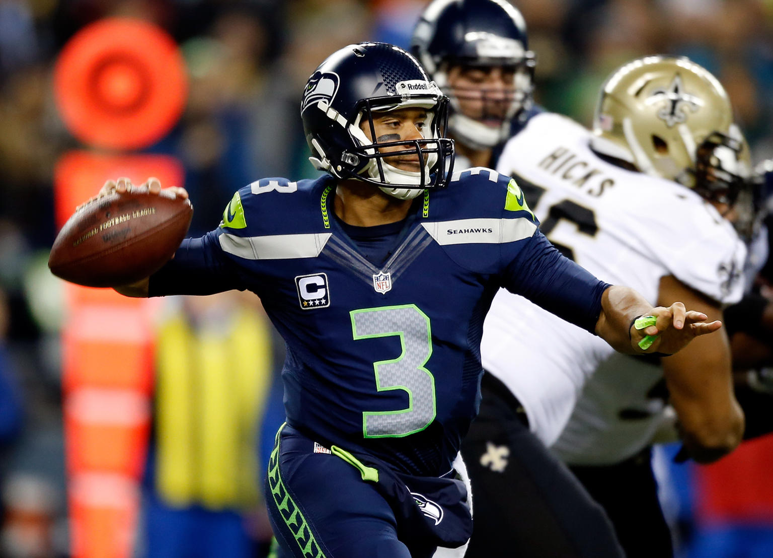 Seattle's rout likely locks up top seed in NFC playoffs