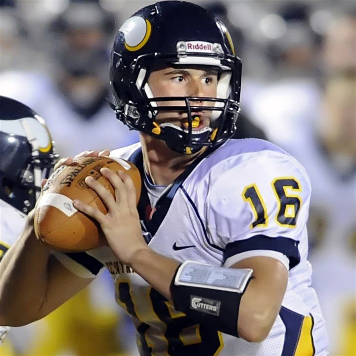 9gu00kfd.jpg J.J. Cosentino supplies key ingredients -- tangible and intangible -- to Central Catholic's offense.