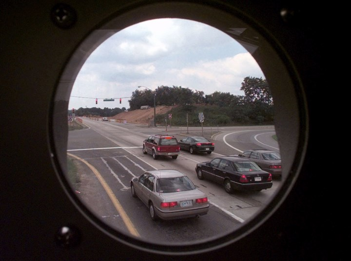 5KU0KK78-1 This is the view from inside a box housing one of Howard County's red-light cameras, looking south on Rt. 29 at the intersection with Scaggsville Road in Scaggsville, Md., on July 26, 1999.