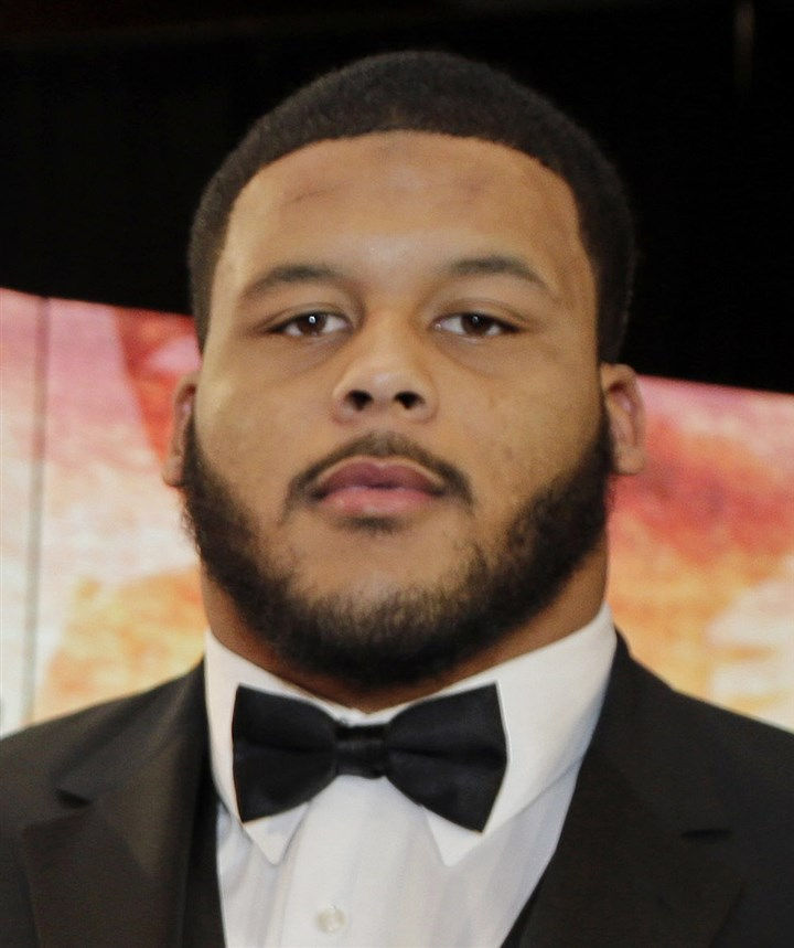 donald1210 Pittsburgh's Aaron Donald.