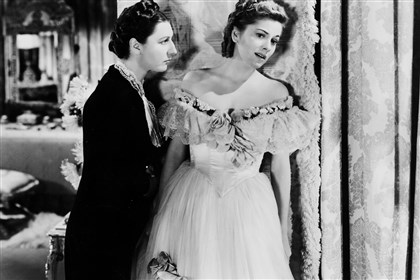 "fontaine2_OBIT.jpg Joan Fontaine, right, and Judith Anderson in the 1939 movie ""Rebecca."""