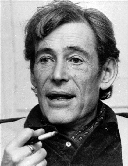 Peter O'Toole, 1980 Actor Peter O'Toole smokes during an interview at his London home in 1980.